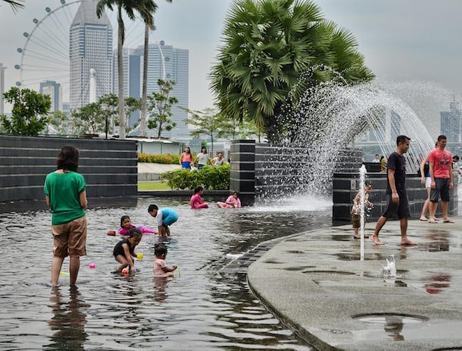 Wading area and fountains at Marina Barrage.