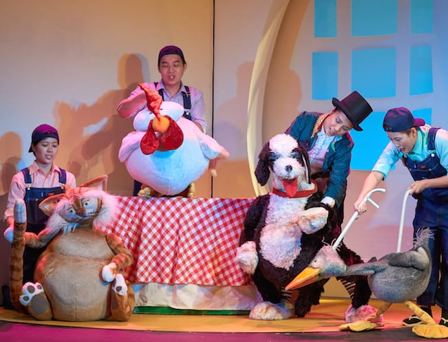 Valerie Chian, Andy Yew, Isabelle Chiam and Tan Wan Sze in TLC's The Ugly Duckling ( Mandarin)