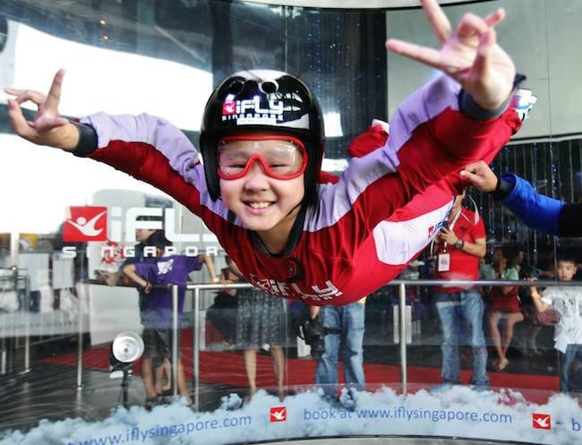 Skydiving in Sentosa: all the thrill of a free-fall without the risks!