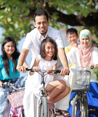 Family fun for Singapore's first car-free Sunday!