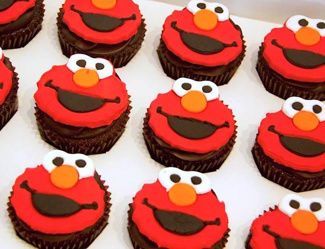 Cocoa Heaven Elmo cupcakes