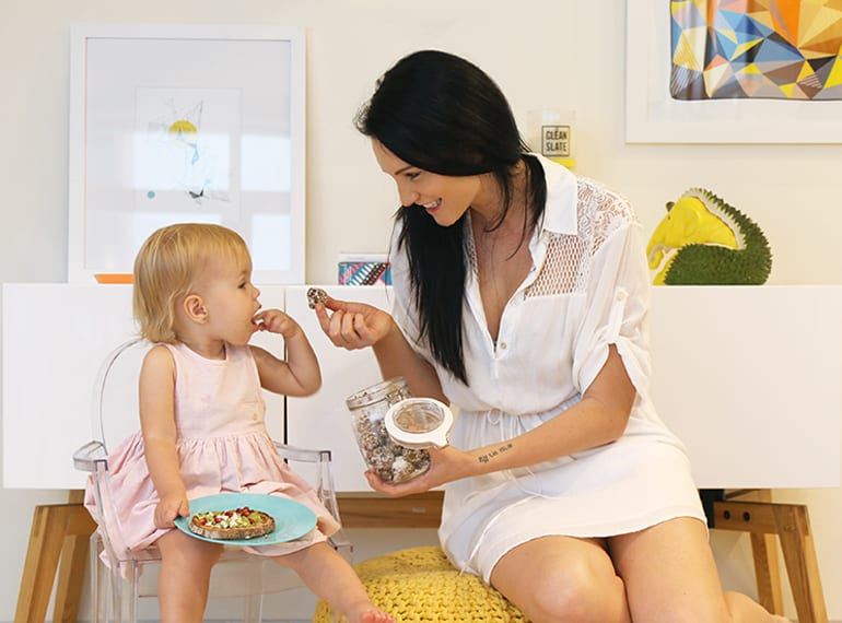 Queen of healthy family food Terri-Anne Leske of Carrotsticks & Cravings opens up her home and shares her style of cooking with HoneyKids!