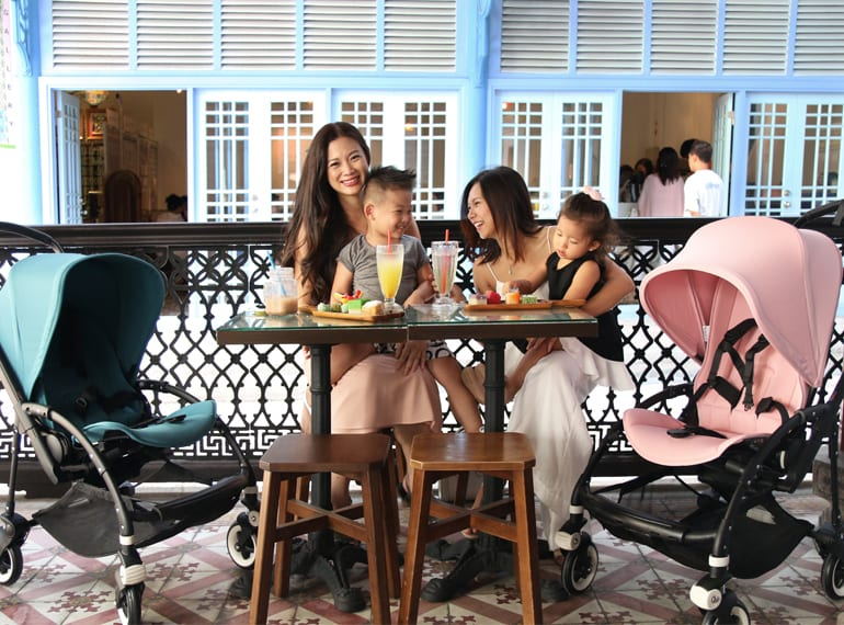 Business partners Tjin Lee and Belinda Huber of Baby Style Icon catch up for a cafe date with their kids Tyler, three and Ashley, two – and their swish Bugaboo Bee 3 strollers!