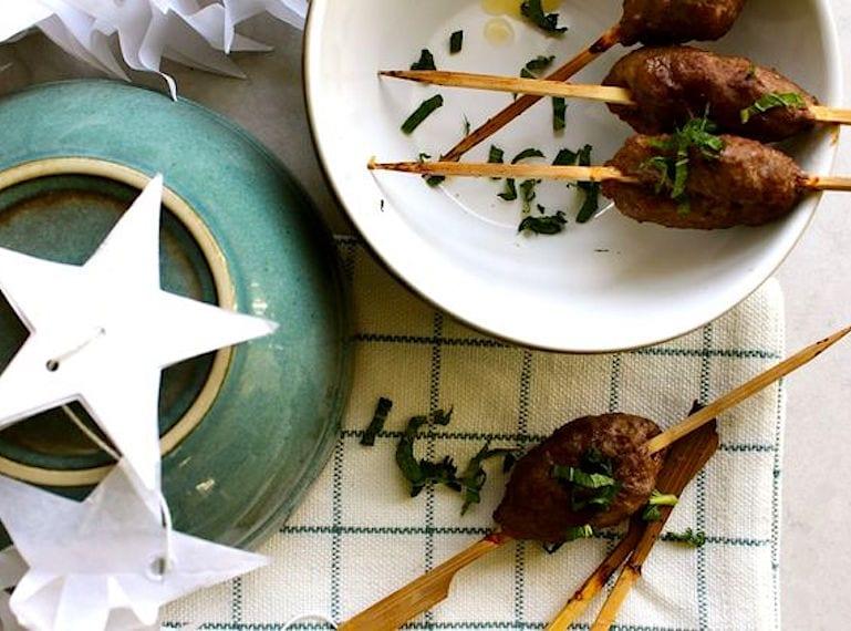 modern-family-food-xmas-skewers