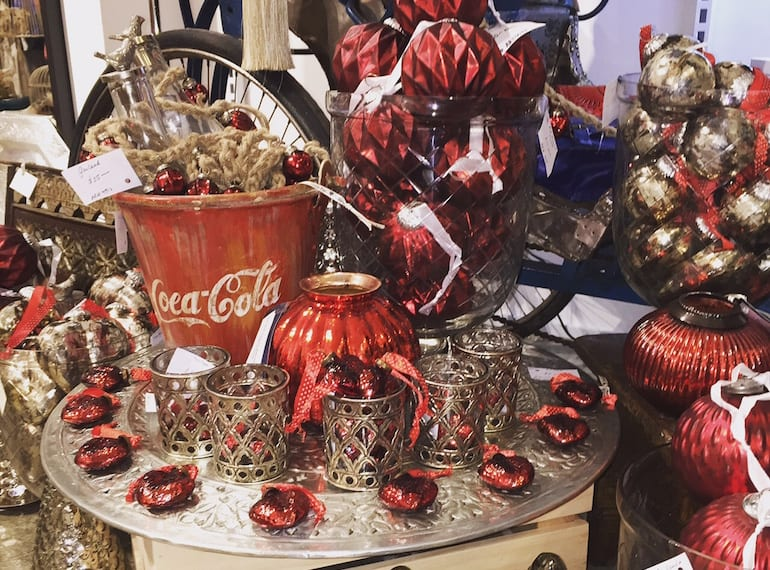 We are loving the retro Xmas look over at Singapore Trading Post!