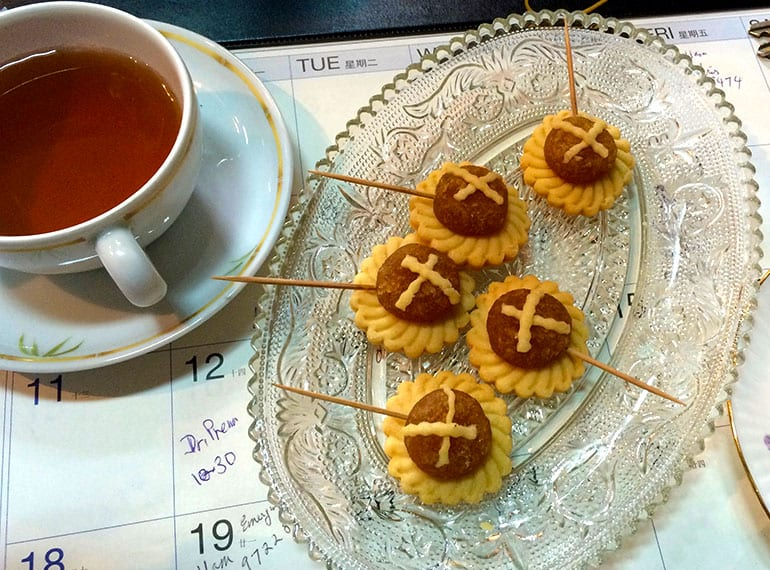 Tea and pineapple tarts at Katong Antique House