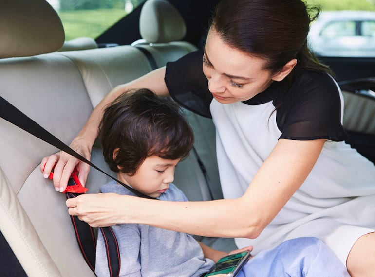 car seats for safe taxi travel in Singapore with kids