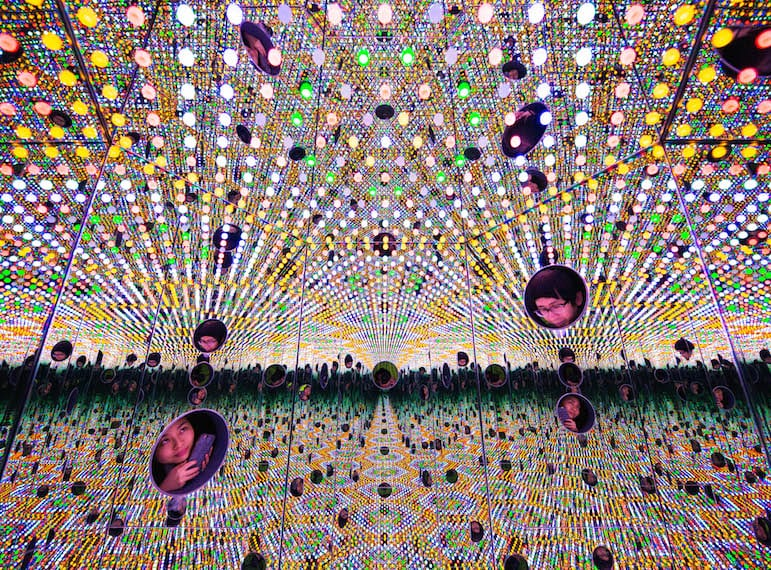 Singapoe Yayoi Kusama's 'I want to Love the Festival Night 2017