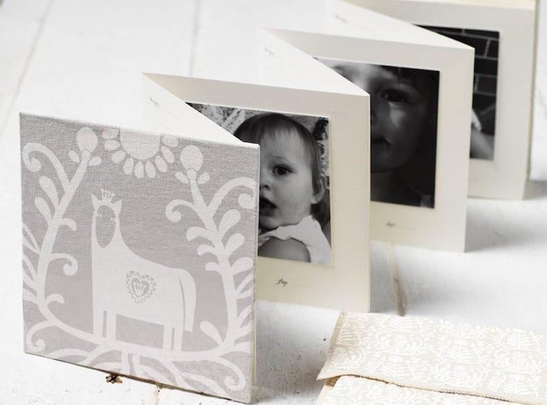 HK_babyBooks_laiKonik_white_horse_concertina_1024x1024