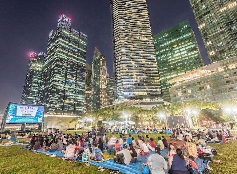 night dating in singapore