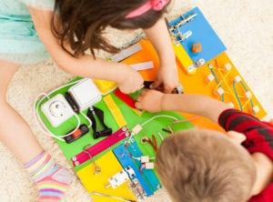 DIY-sensory-play-BUSY-BOARD