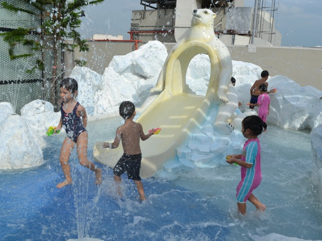 Tampines Mall has a cracking play area for kids