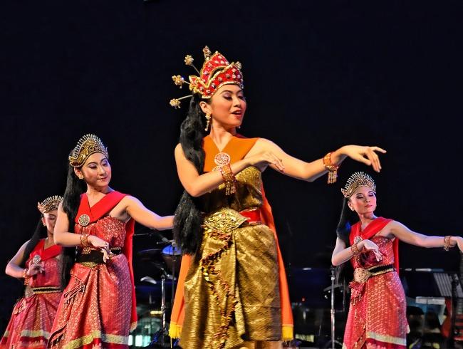 Year Calendar Singapore : Events at the esplanade singapore malay dance