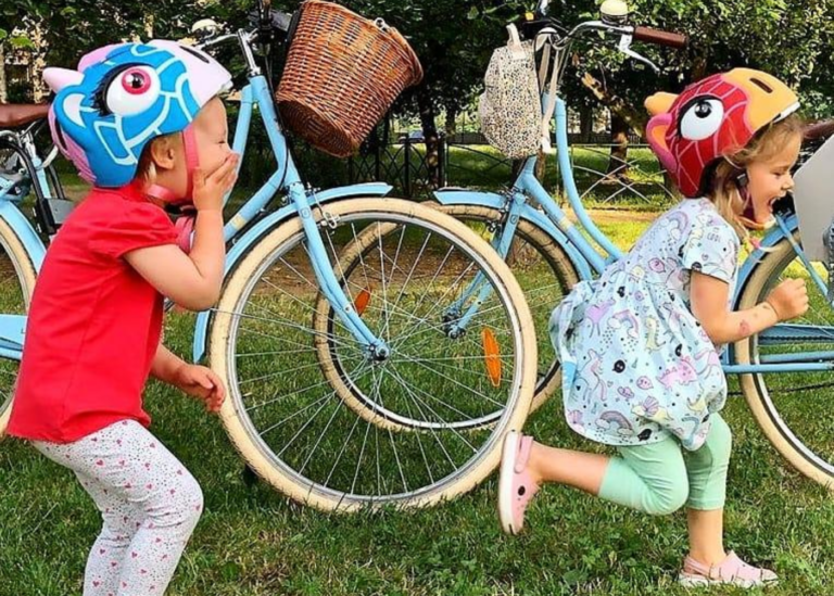 An easy guide to getting a bike helmet for the kids