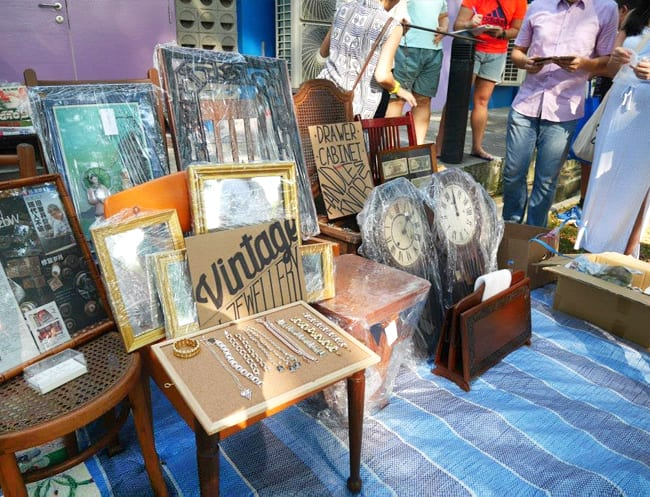 second hand shopping in singapore vintage fashion pre. Black Bedroom Furniture Sets. Home Design Ideas