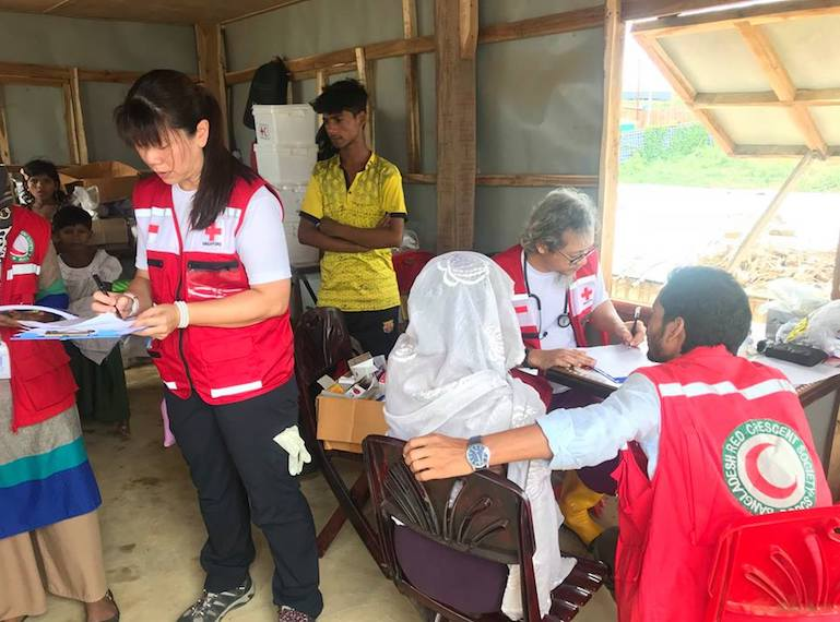 Volunteering-in-Singapore-RED-CROSS