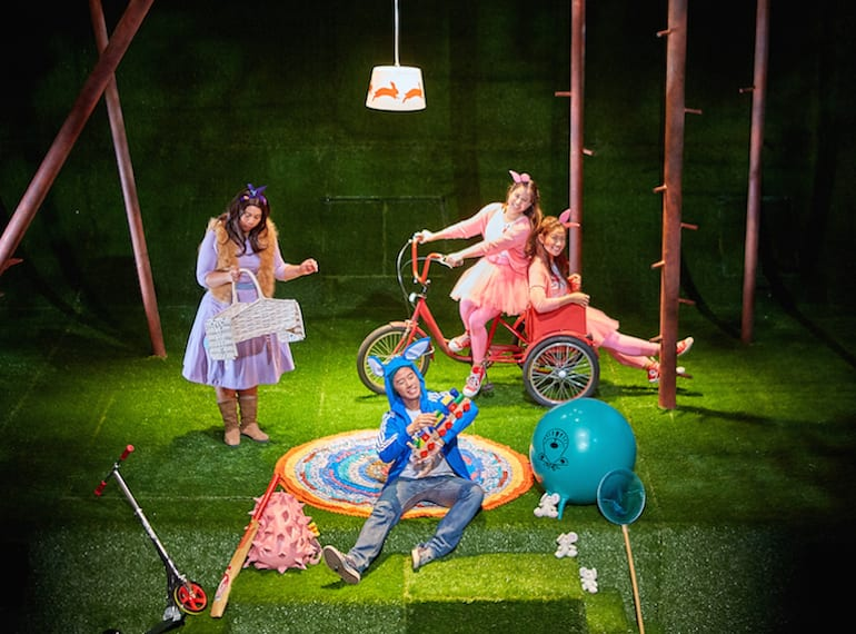 Theatre for kids in Singapore: The HoneyKids review of A Peter Rabbit Tale by SRT's The Little Company