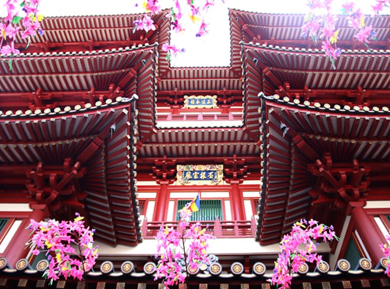 The beautiful Buddha Tooth Relic Temple and Museum in Singapore's Chinatown. Photography: Nathania Tirtaputra