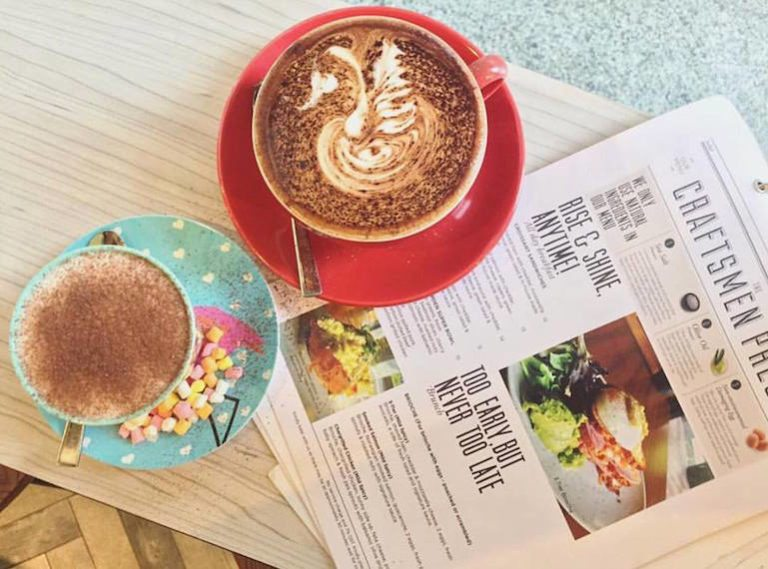 Cafes for early risers! Breakfast, brunch and coffee spots that open as early as 7am