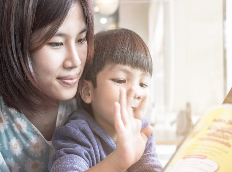 Learn Chinese at story time with these bilingual children's books