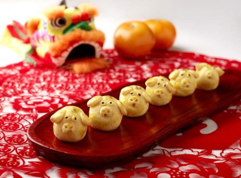 fullerton hotel pineapple tarts honeykids asia