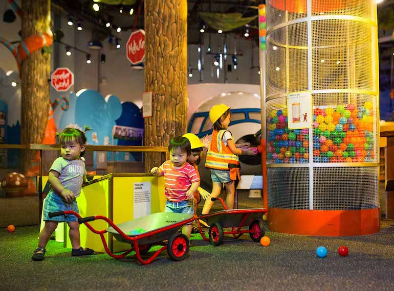 Indoor-play-centre-KidsStop-at-the-Science-Centre