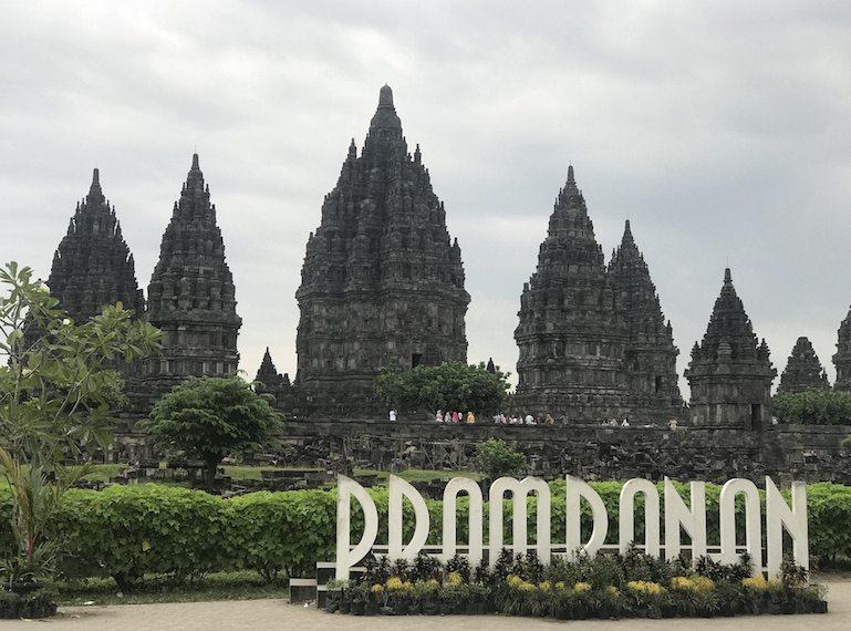 Family-holiday-to-Yogyakarta1