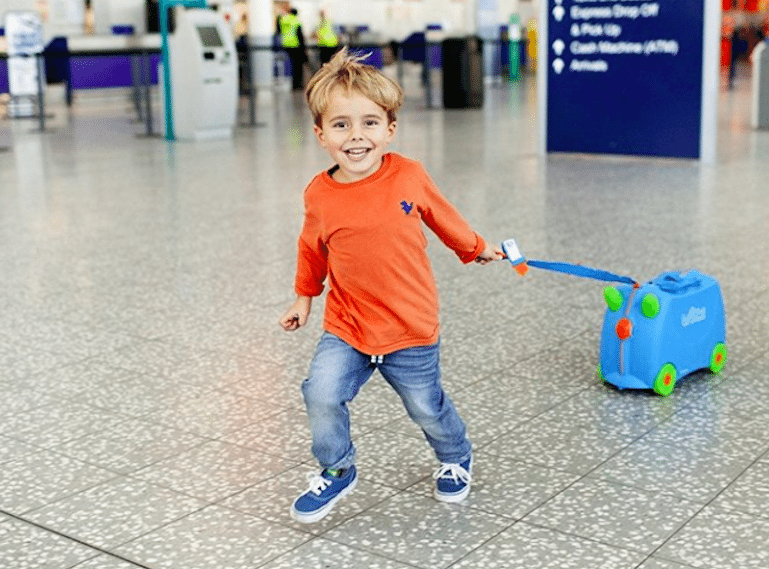 Flying-with-kids-TRUNKI