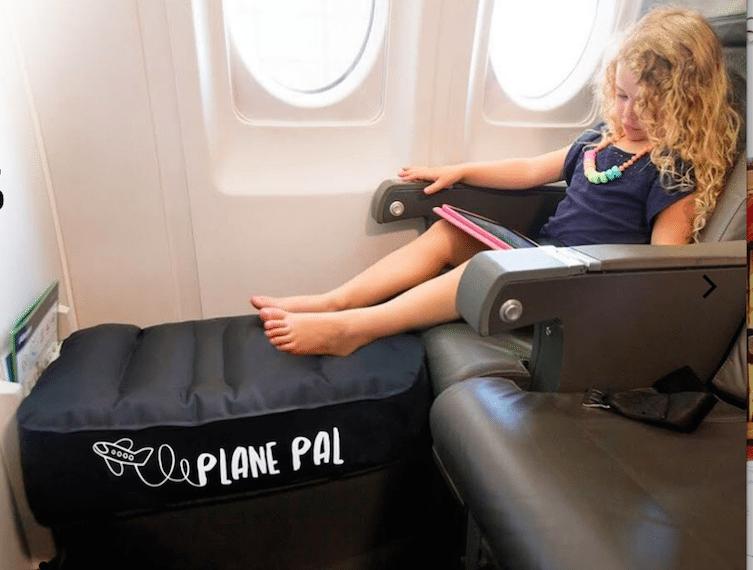 Flying with kids HERO