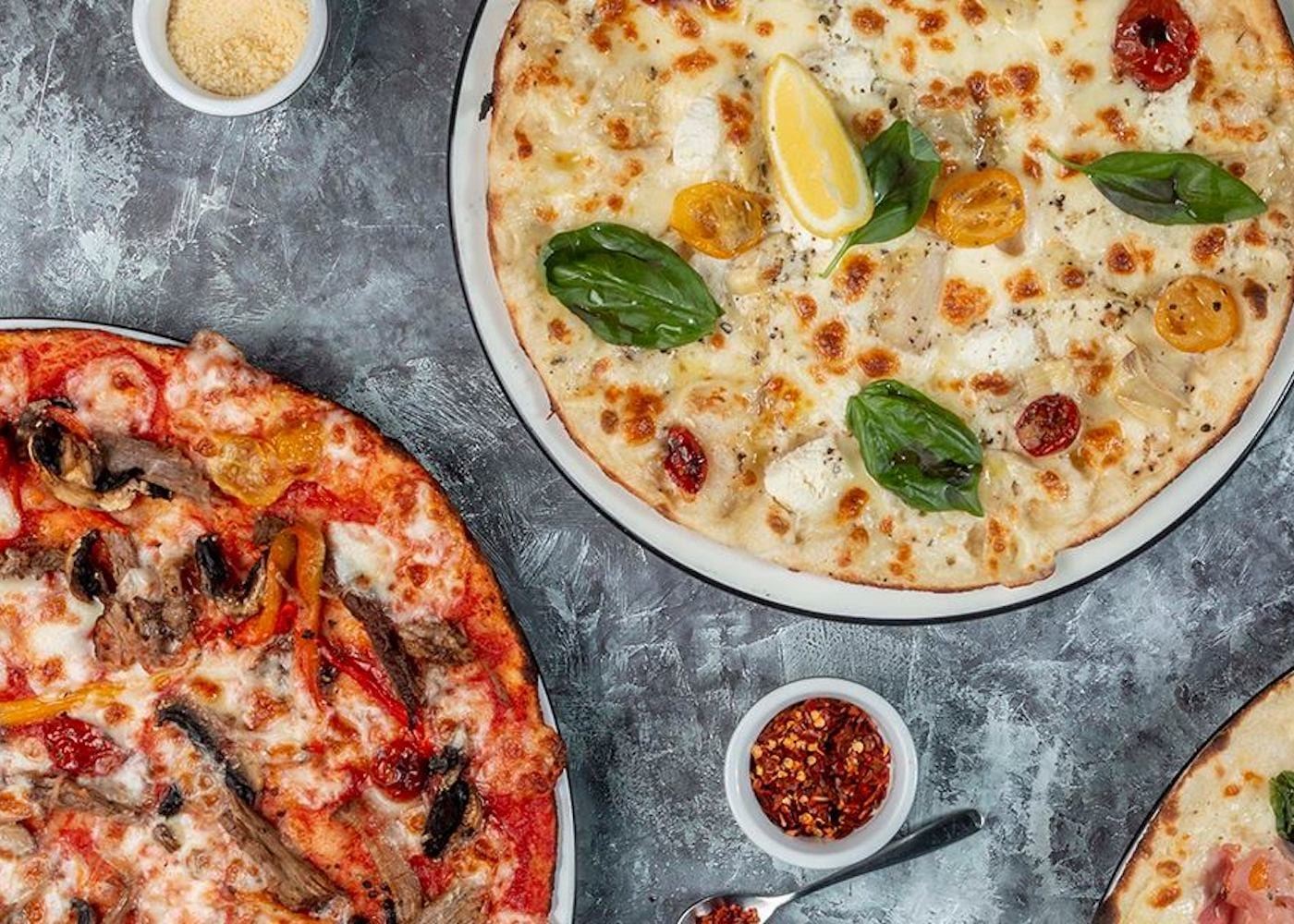 Family friendly best pizza in Singapore: Pizza Express