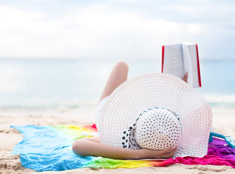 Essential vacation reads for mums: the books you need in your beach tote!