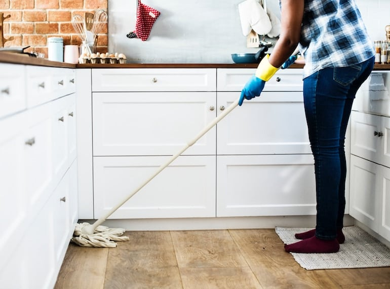 natural-products-in-Singapore-mopping