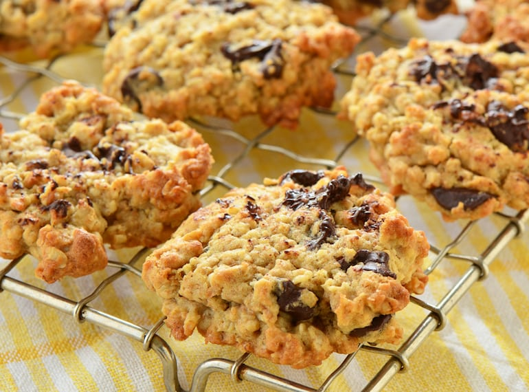 Breastfeeding? You need these delish lactation cookie recipes on your radar!