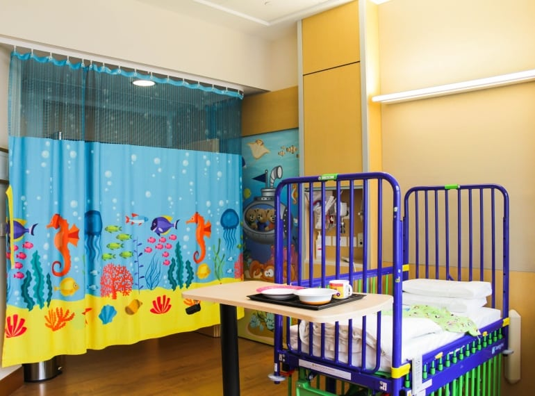 Mount Elizabeth Novena Hospital single kids room is one of the best emergency rooms for kids in Singapore