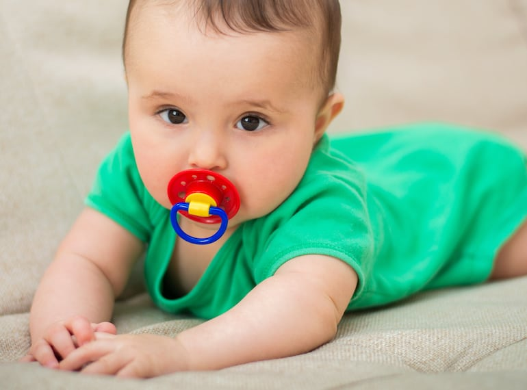Should I give a pacifier to my baby?