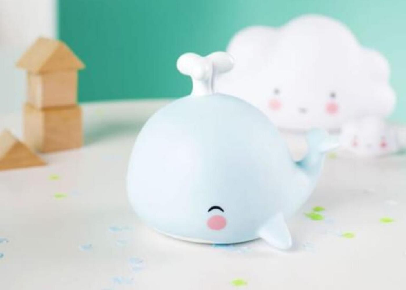 Mini Whale Light