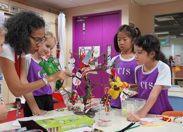 Celebrate the holiday season with these Christmas craft activities from CIS