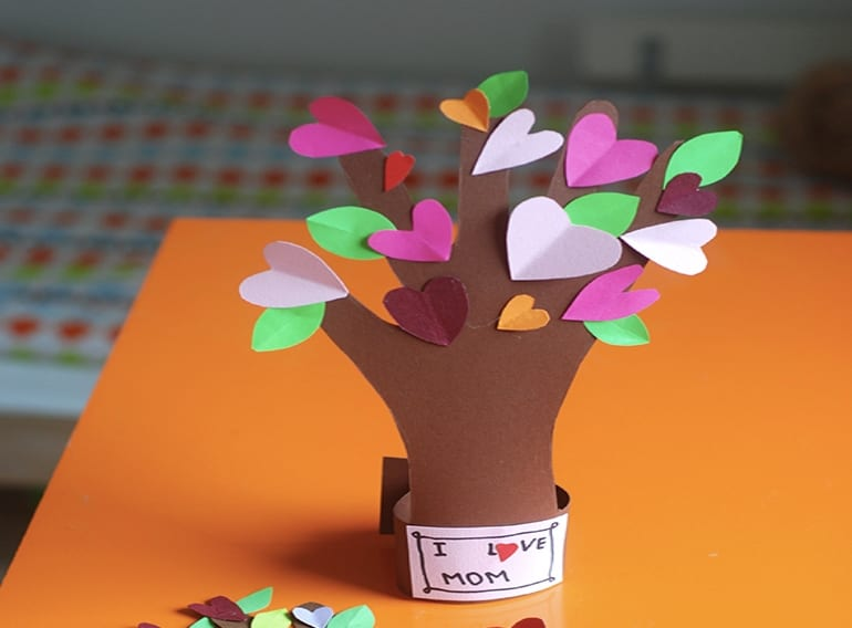 Valentines-Day-craft-for-kids-TREE