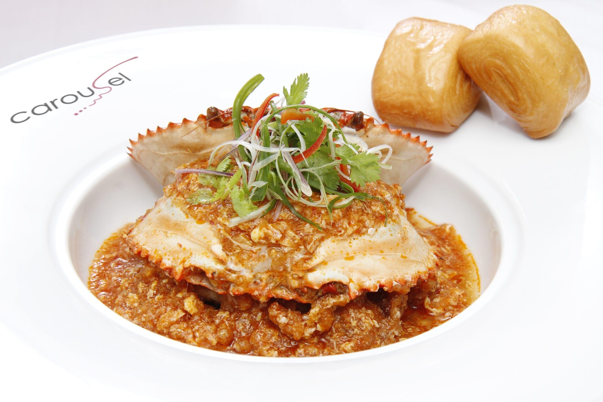 Singapore-Chilli-Crab-with-Golden-Mantous-Carousel-Royal-Plaza-on-Scotts