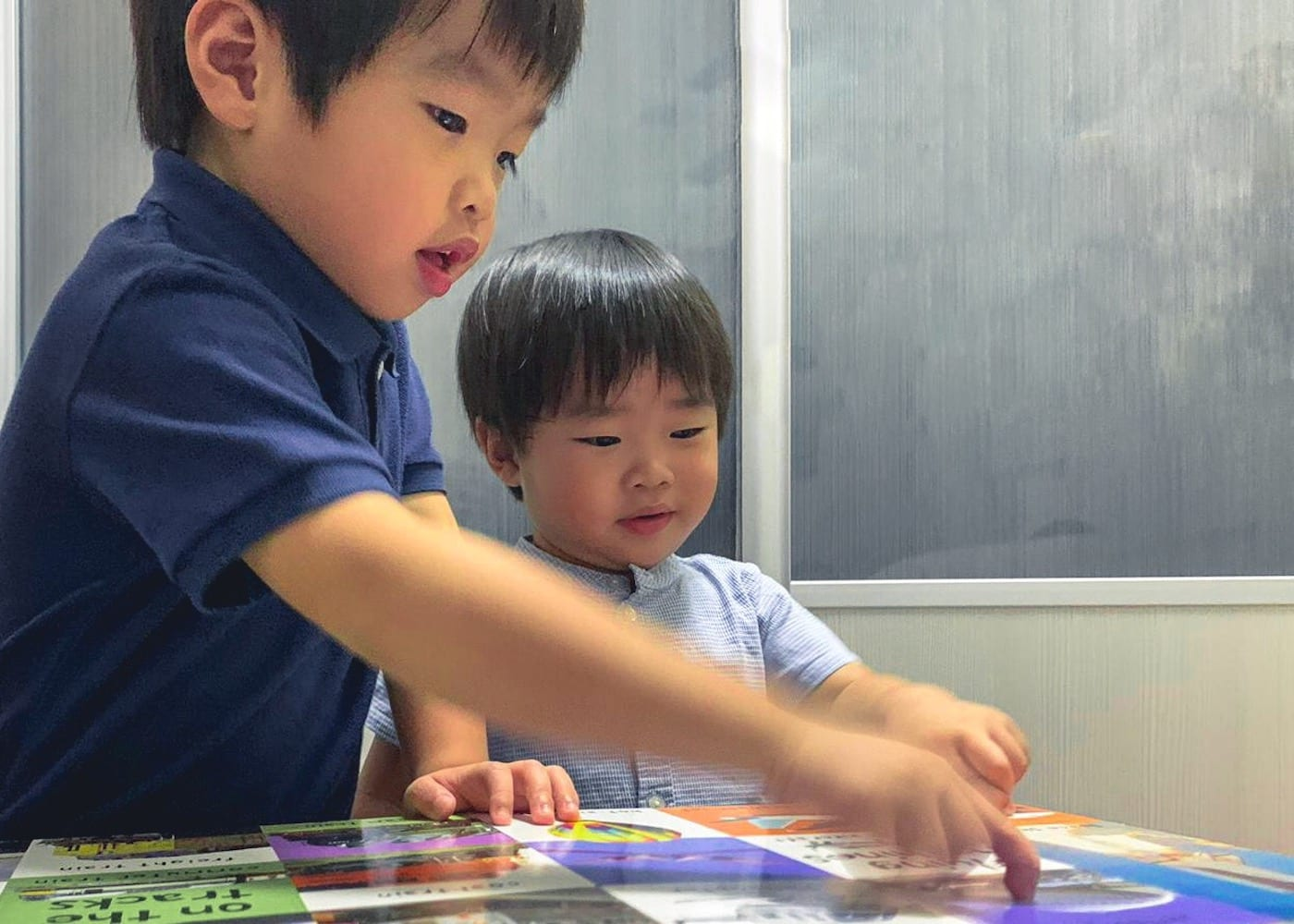 Enrichment classes for kids at De Kinder Club: coding, yoga and mindfulness, science, sports, chess and more!