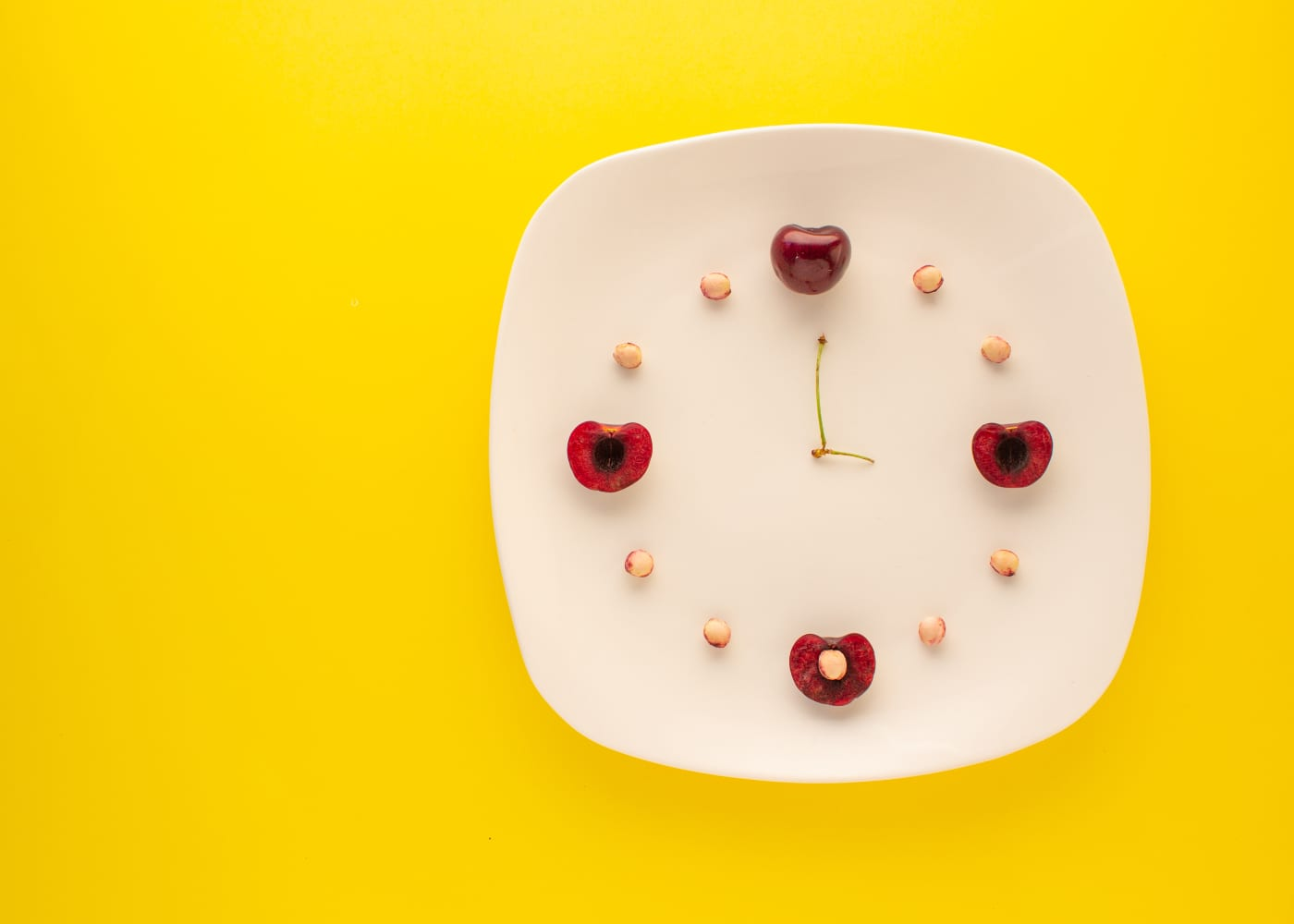 Why we should all be thinking smart at our kids' snack time – and the recipe book to guide you!