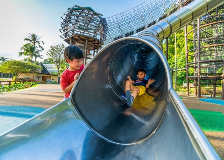 What to do in Sentosa with kids: beaches, activities, restaurants and hotels for a staycation!