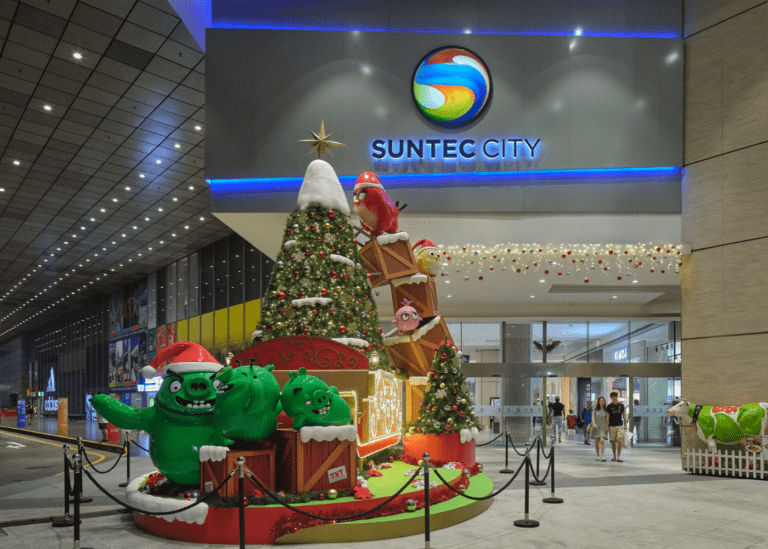 Flock to Suntec City for a hoot of a time with the Angry Birds Hatchlings this Christmas!