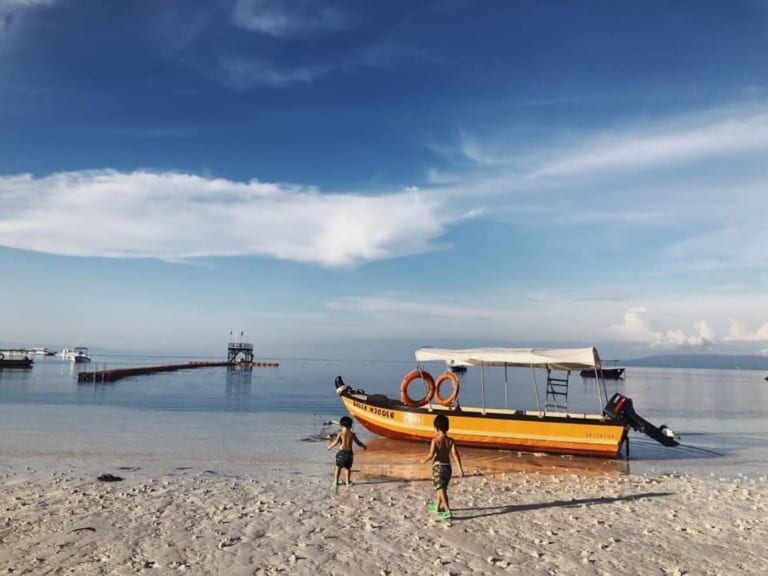 Say hello to our new fave fam-friendly island getaway: Bohol, Philippines!