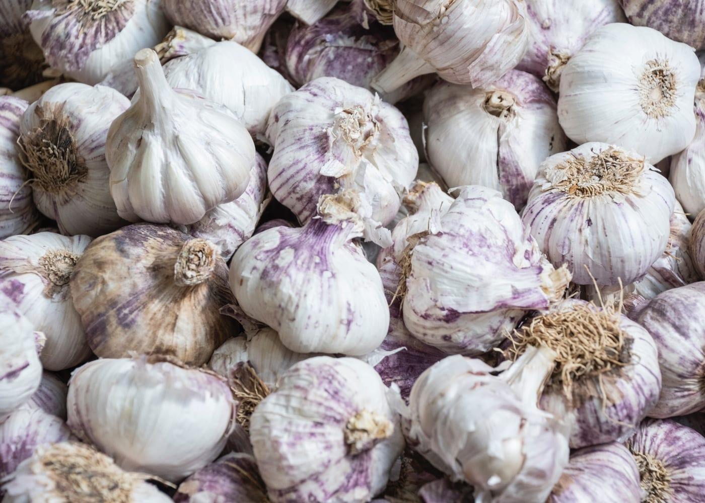 eating garlic prevents coronavirus | myths about COVID-19