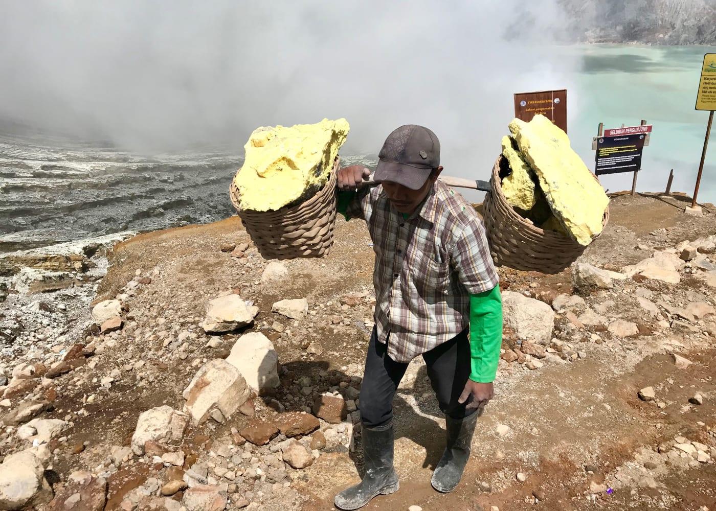ijen sulphur mining