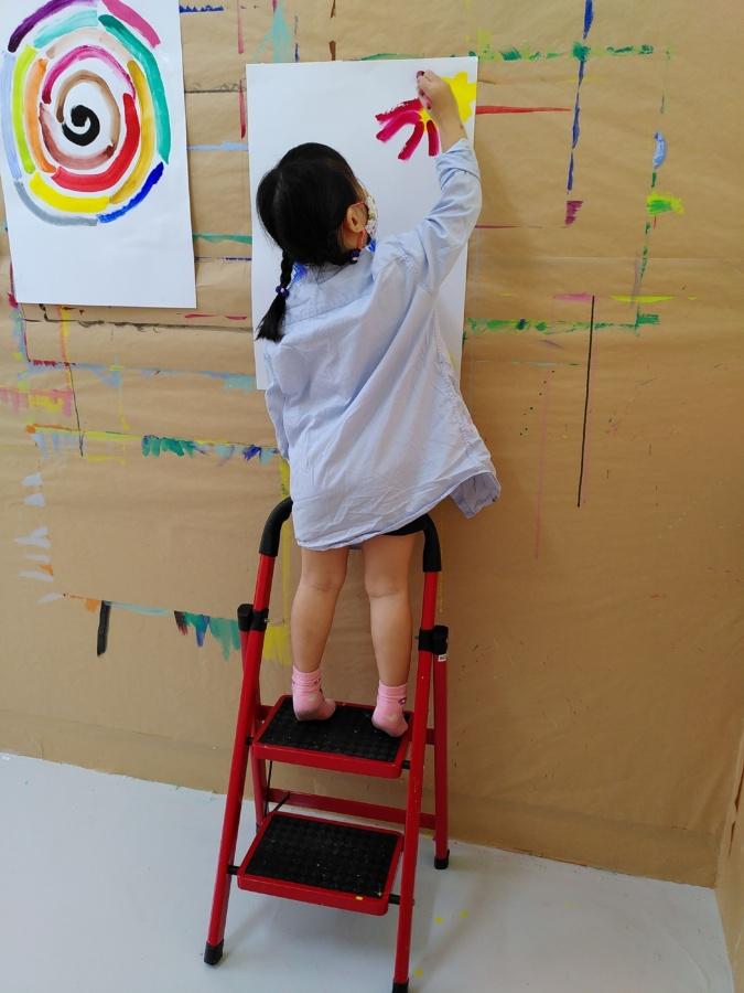 """Paint at """"No Comment"""" Singapore"""